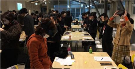 VRを用いた認知症体験会03.png
